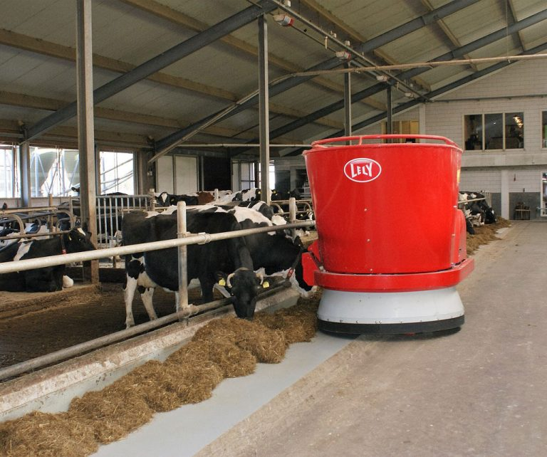 Lely Automated cattle feeder